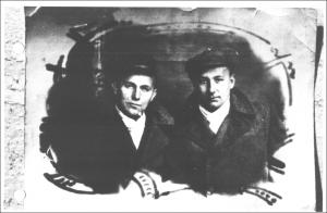 Gschwendtner Geza es Magyarosi Jeno lagerfenykepe 1947-bol (propagandafoto)